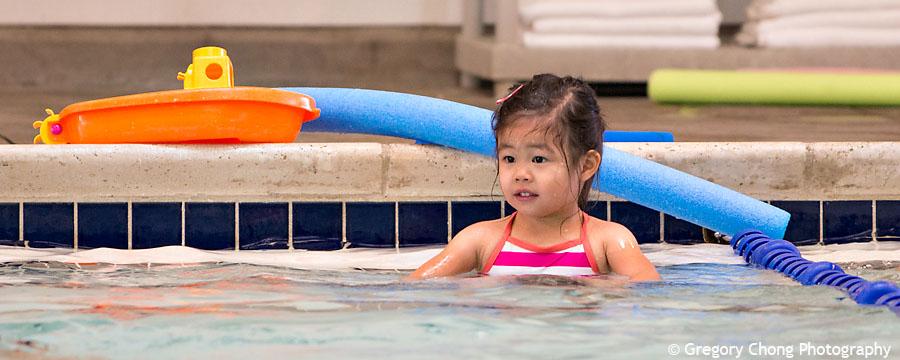 D800_017303-HayleyFirstSwimClass-blog