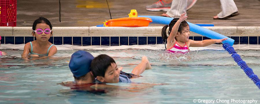D800_017318-HayleyFirstSwimClass-blog