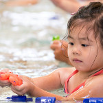 D800_017353-HayleyFirstSwimClass-blog
