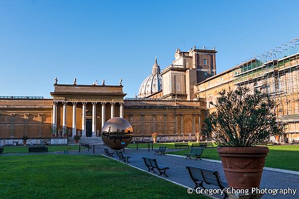 D800-023807-PineConeCourtyard-VaticanMuseum-blog