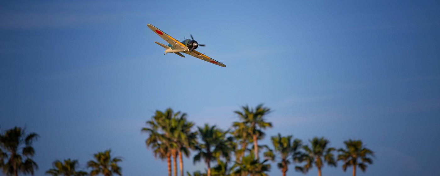 D800-027732-FlyingatSierraPointParkway