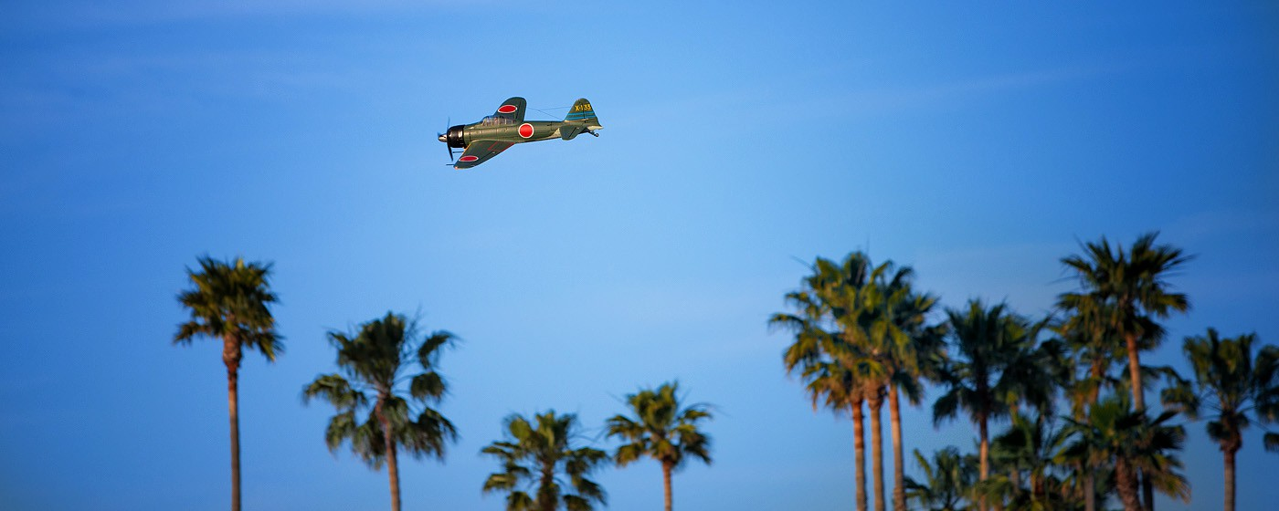 D800-027752-FlyingatSierraPointParkway