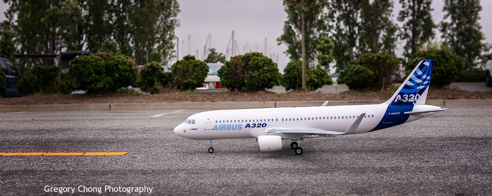 D800-027901-AirbusA320-MaidenFlight