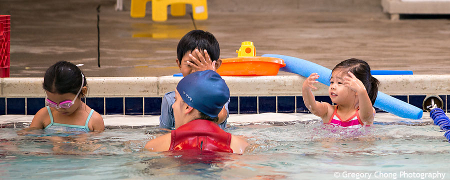 D800_017319-HayleyFirstSwimClass-blog