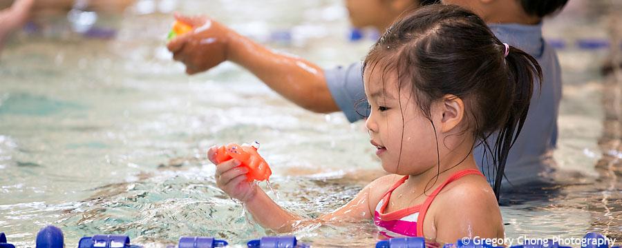 D800_017355-HayleyFirstSwimClass-blog
